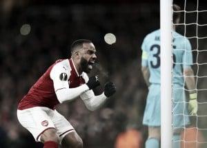 Özil, Lacazette e Ramsey lideram vitória confortável do Arsenal sobre CSKA na Europa League