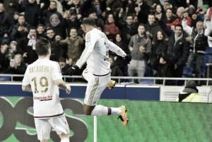 Lyon 3-0 Bordeaux: Awakened Lacazette's brace seals Les Gones victory