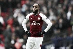 Lacazette é submetido a cirurgia no joelho e desfalca Arsenal por até seis semanas