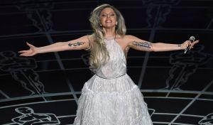 Lady Gaga, la voz de 'Sonrisas y lágrimas' en los Oscar 2015