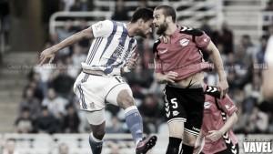 El Deportivo Alavés renueva su retaguardia