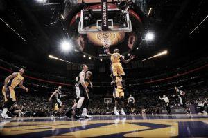 Los Spurs sentencian el peor arranque de los Lakers