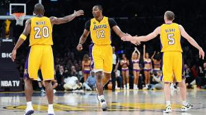 Lakers y Jazz se juegan la vida en la última jornada de la temporada regular