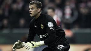 VfB Stuttgart complete Langerak and Kliment signings