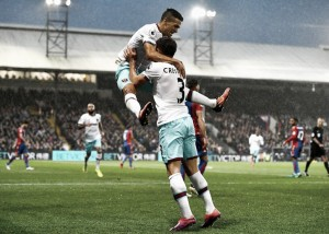 Un Lanzini inspirado rompe la mala racha del West Ham