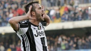 """Pjanic carica la squadra: """"Juve, voglio vincere tutto"""""""