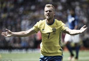Seb Larsson to decide future after Euro 2016