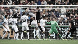 Premier League - Newcastle ok con Lascelles. Wood fa volare il Burnley, sprofonda il Palace