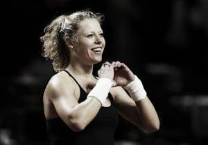WTA Stuttgart: Siegemund surges past red-hot Halep into final for second year in succession