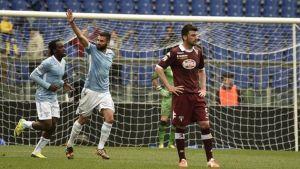 Candreva salva a la Lazio en el descuento