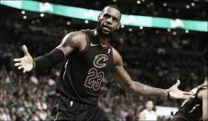 """NBA playoffs - LeBron non ci sta: """"Non sono stanco"""""""