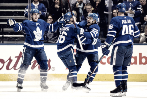 Late goal lifts Toronto Maple Leafs over Boston Bruins