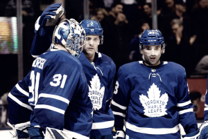 Toronto Maple Leafs survive wild battle with Detroit Red Wings to extend home winning streak