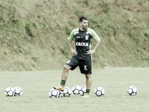 O General chegou! Leandro Donizete é anunciado de forma oficial pelo América-MG