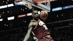 Resumen NBA: LeBron reina en el Staples; exhibición de Antetokounmpo