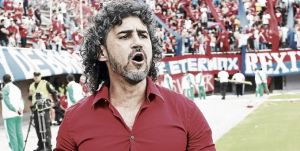 Leonel Álvarez: ''Estamos buscando jugadores por fuera''