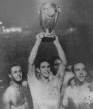 Há 50 anos, Cruzeiro conquistava a Taça Brasil em cima do Santos