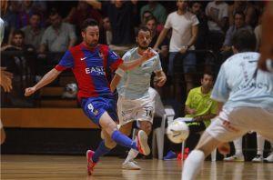 Levante UD DM sale de la UVI y deja a Santiago Futsal en ella