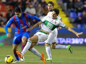 Elche - Levante: los locales buscan puntuar a costa de un equipo sin nada que perder