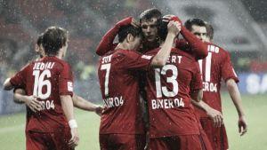 Son rescata del diluvio al Leverkusen