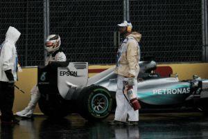 Libere 2 rovinate dalla pioggia: Hamilton 1° col botto, ma la Ferrari è in agguato