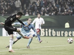 Hamburger SV 1-3 Bayern Munich: Bavarians breeze into round three