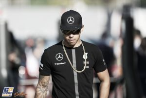 """Lewis Hamilton: """"Aún queda mucho en juego mañana"""""""