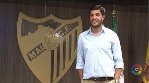 Miguel Torres, presentado con la camiseta del Málaga
