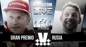 Rosberg golpea primero en Sochi