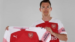 Lichtsteiner joins Arsenal on a free from Juventus