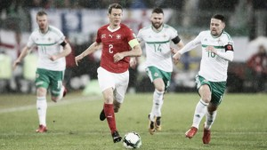 """Lichtsteiner aprova amistosos da Suíça contra Grécia e Panamá: """"Dar mais um passo à frente"""""""