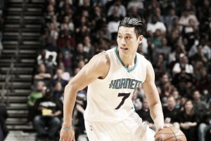Resumen NBA: Charlotte sorprende a San Antonio; Chicago sigue en la batalla por los Playoffs