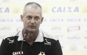 """Lisca se demite do Criciúma após quatro jogos oficiais: """"Resultado foi muito abaixo"""""""