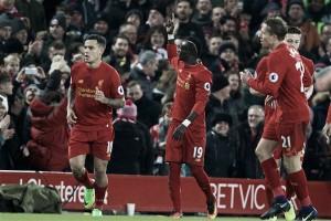 Premier League, il Liverpool prova a risalire: 2-0 al Tottenham