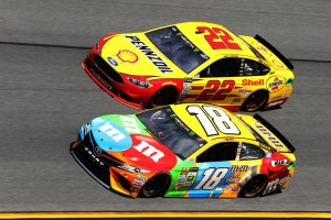 All eyes on Joey Logano and Kyle Busch for the Camping World 500 at Phoenix International Raceway