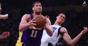 NBA - Brooklyn corsara ad Orlando, Lakers di rimonta contro i Mavericks