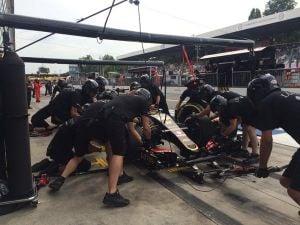 Lotus sobrevive gracias a Renault