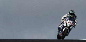Alex Lowes lleva a Suzuki a lo más alto en el primer día de tests oficiales