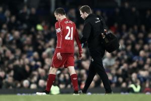 Lucas to undergo fitness tests to determine United involvement