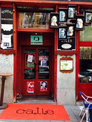 El arte urbano toma los comercios en Lavapiés