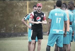 """Luis Zubeldía: """"Hay que jugar bien para ganar"""""""