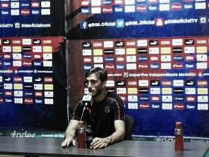 """Luis Zubeldía: """"El equipo empujó todo el partido, corrió riesgos y obtuvo recompensa"""""""