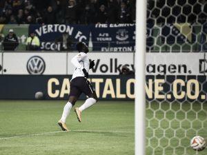 VfL Wolfsburg 0-2 Everton: Martinez's men qualify after Wolves waste numerous chances