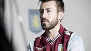 Luna abandona el Aston Villa rumbo a Eibar