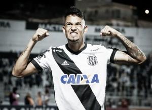 Lucca marca dois para virar artilheiro do Brasileirão e Ponte bate Atlético-PR em Curitiba