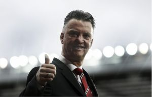 """Louis Van Gaal feels Manchester United """"missed a big oppurtunity"""" to beat Mourinho's Chelsea"""
