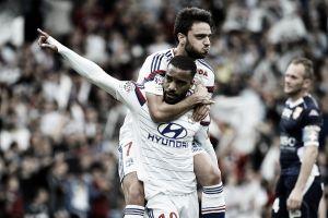 Lyon vence Evian em casa e assume liderança provisória da Ligue 1