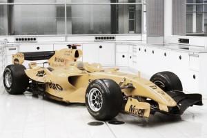 McLaren pode trocar tradicional cor prata pela laranja em 2017