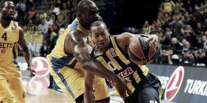 Un sólido Fenerbahçe suma el segundo punto