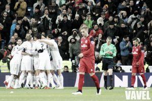 La última vez que el Madrid venció dos veces al Sevilla en Liga fue campeón